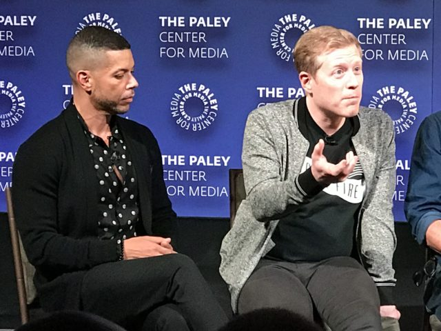 Wilson Cruz e Anthony Rapp no ​​PaleyFest 2017
